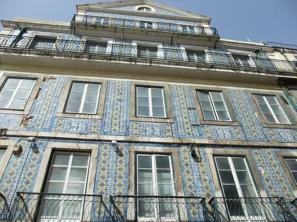 Керамическое здание