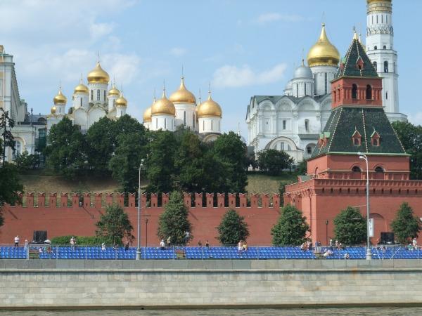 Moscow City Racing 2010: Кремль и пустые трибуны