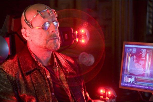 Брюс Уиллис и феерическое компьютерное свечение