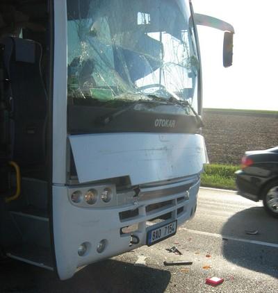 Наш автобус сразу после аварии.