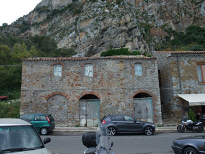 Сицилия, дом у Чифалу