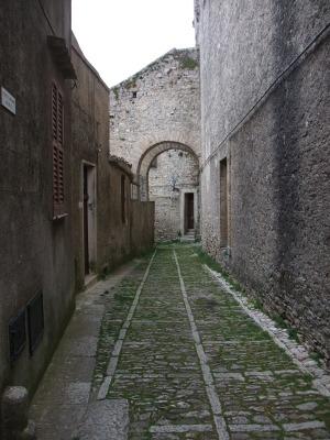 Пустая улица в Эриче