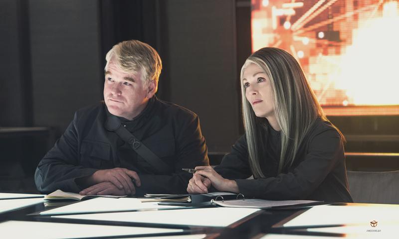 The Hunger Games: Mockingjay - Part 1 Голодные игры: Сойка-пересмешница. Часть I кадры stills Филип Сеймур Хоффман Philip Seymour Hoffman Джулианна Мур Julianne Moore