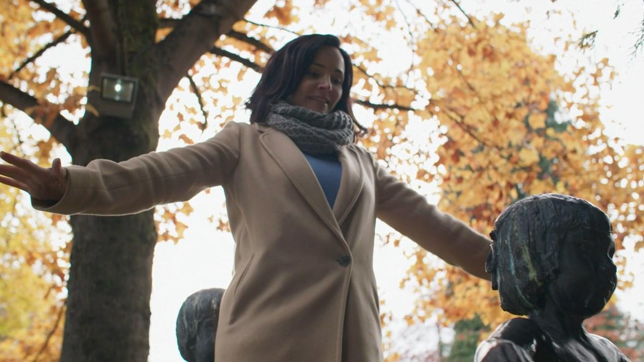Клятва The Vow кадры NXIVM Sarah Edmondson Сара Эдмондсон