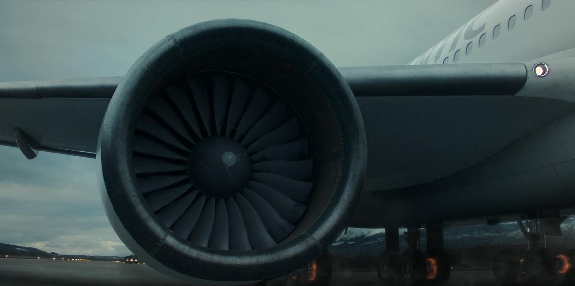 Кроваво-красное небо кадры самолёт